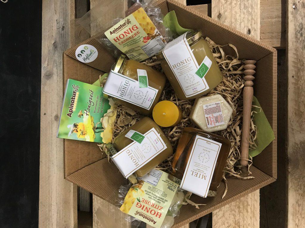 Präsentkorb mit Honigprodukten